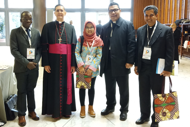 Lay Centre students attend conference on religion and sustainable development