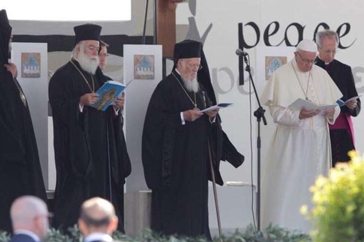 Pope Gathers Church Leaders For Ecumenical Prayer For Peace