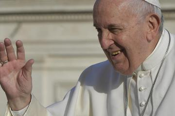 Pope Francis encourages lay people to value community, reach out to others