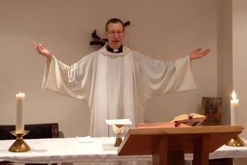 Father Felix Körner, SJ, celebrates the Eucharist in The Lay Centre chapel.